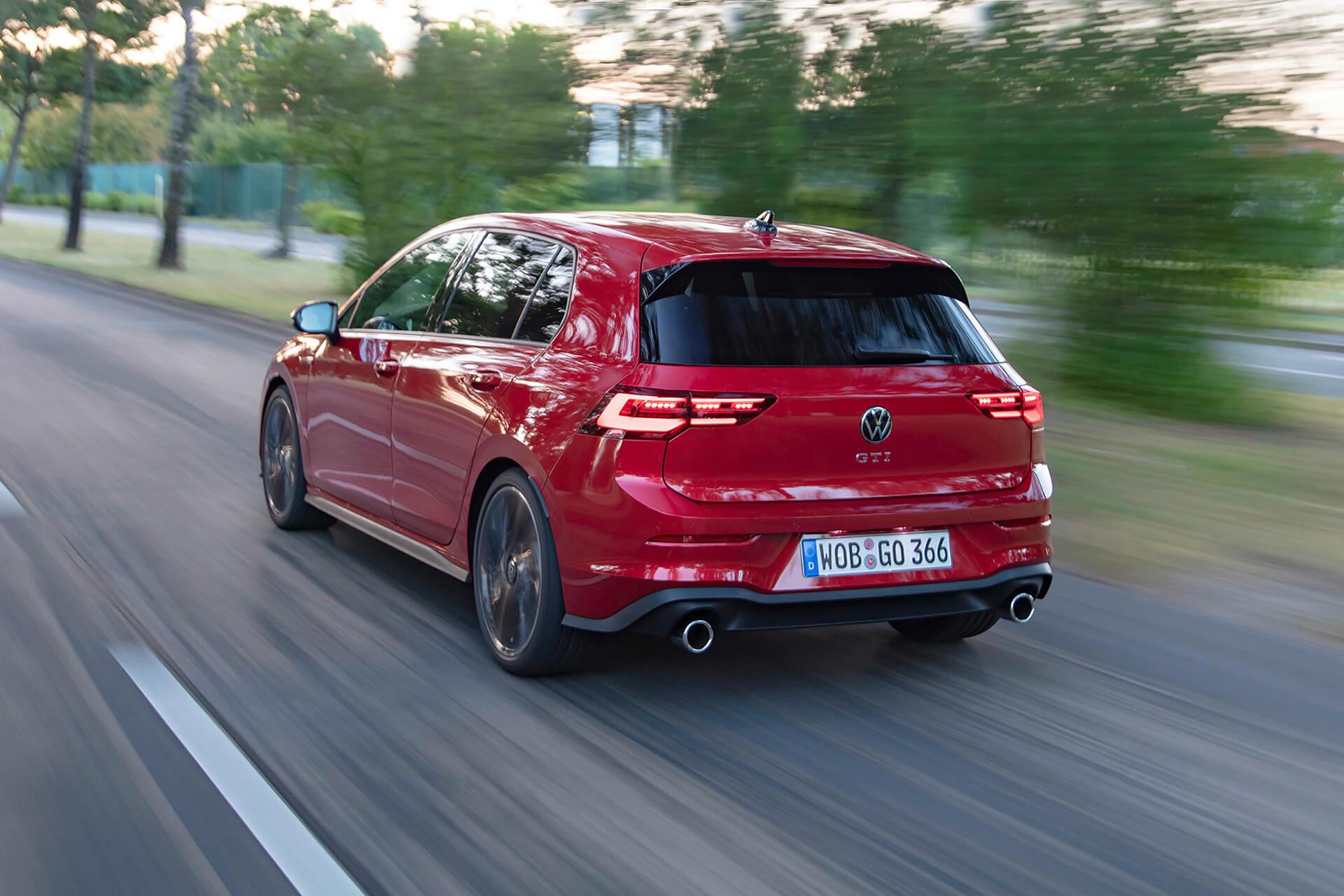 Νέο Volkswagen Golf GTI - Σε κίνηση, πίσω όψη