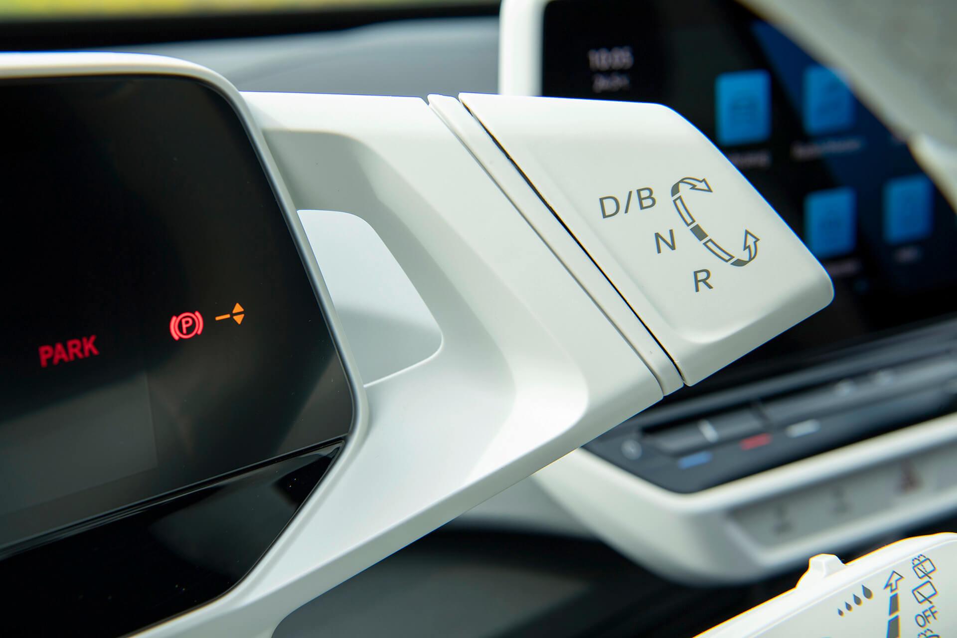 Διακόπτης επιλογέα τρόπου οδήγησης στα δεξιά του πίνακα οργάνων - Volkswagen ID.3