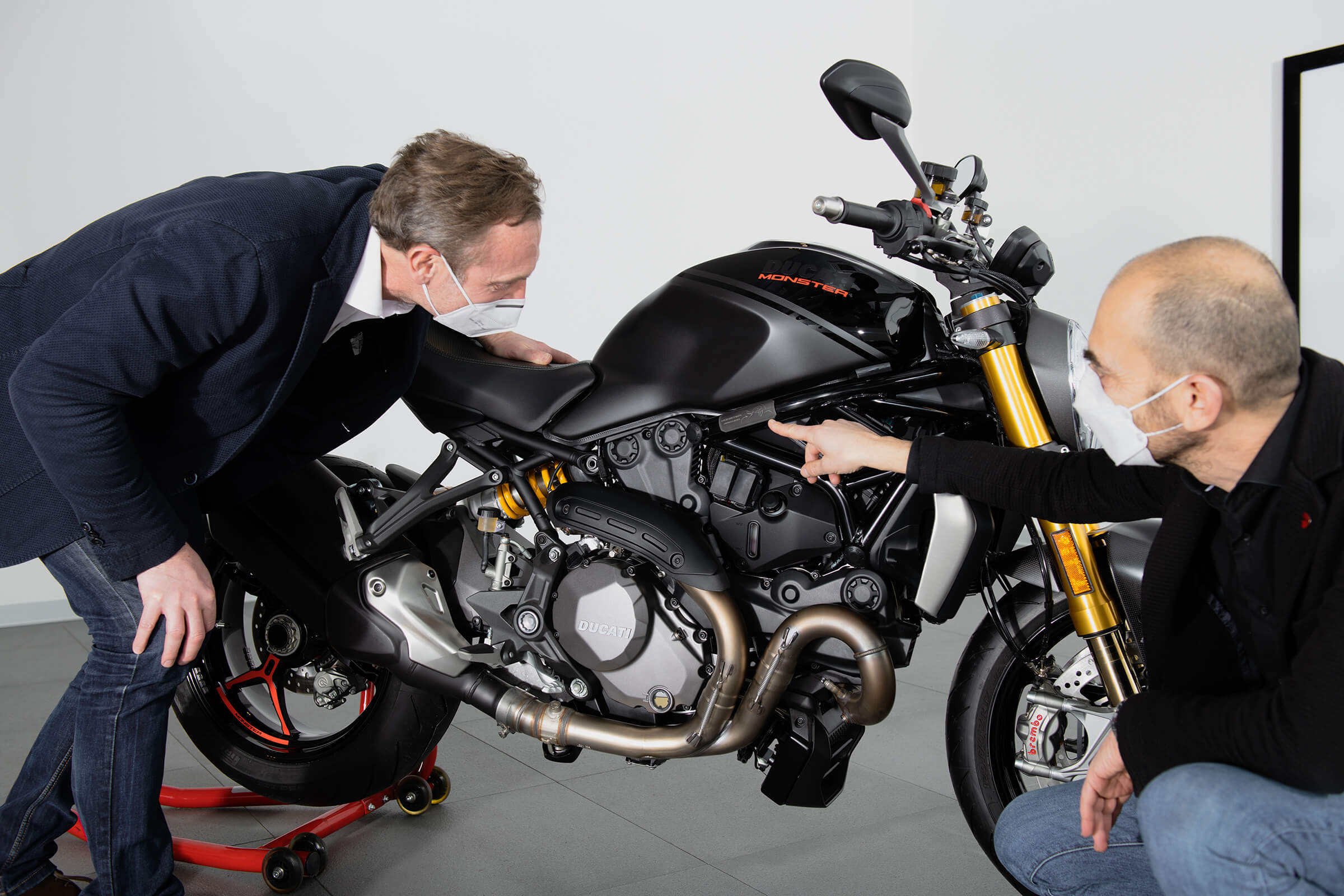 DUCATI MONSTER F. DE ROSE C.DOMENICALI