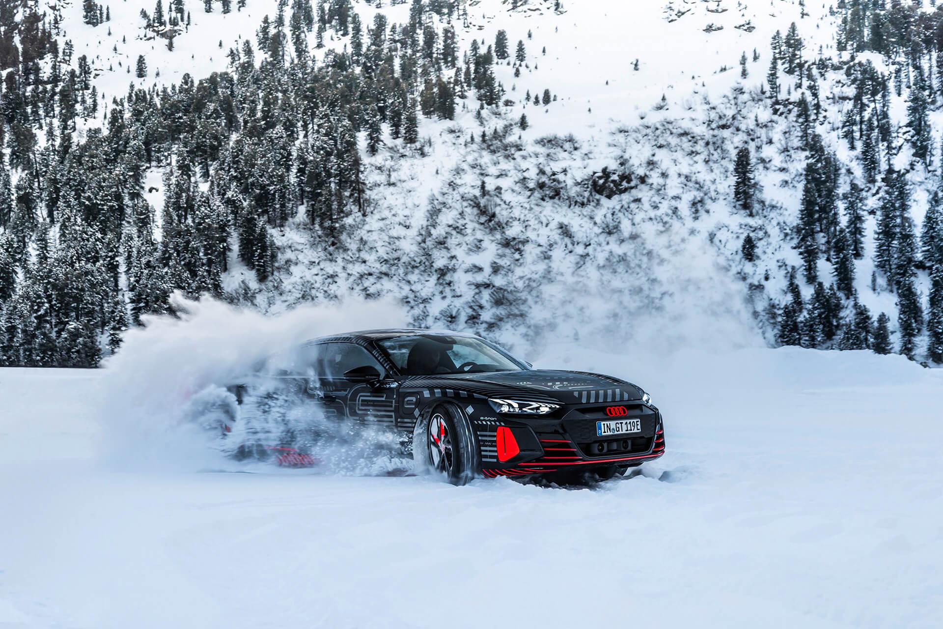 Audi e-tron GT μέσα στο χιόνι
