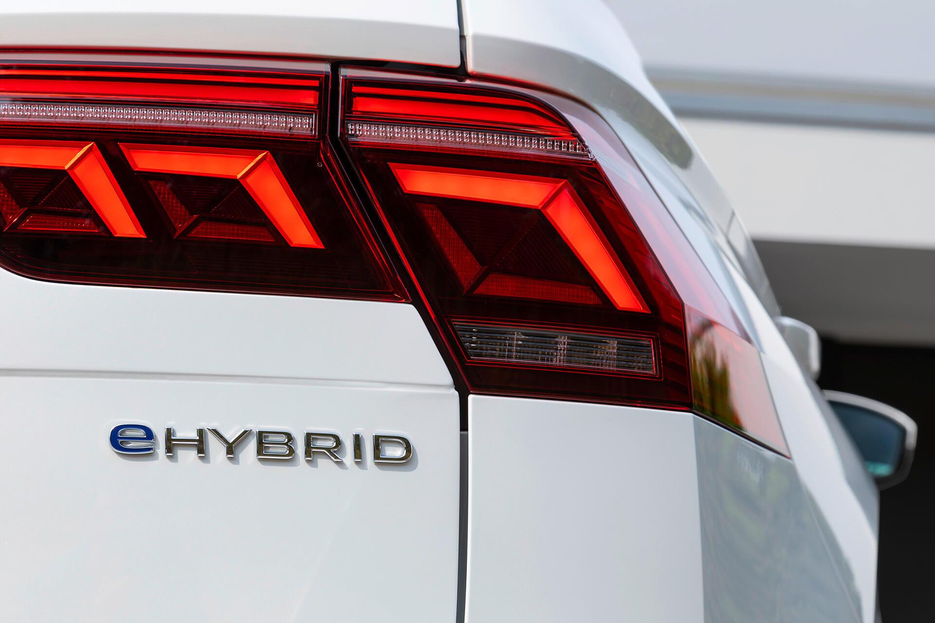 Volkswagen Tiguan - Διακριτικό έμβλημα eHybrid
