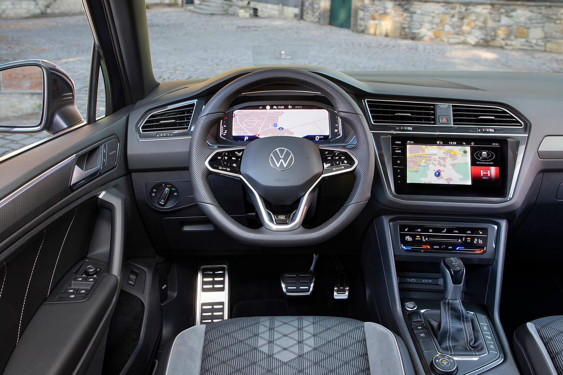 Νέο Volkswagen Tiguan - Εσωτερικό με δερμάτινο πολυλειτουργικό τιμόνι