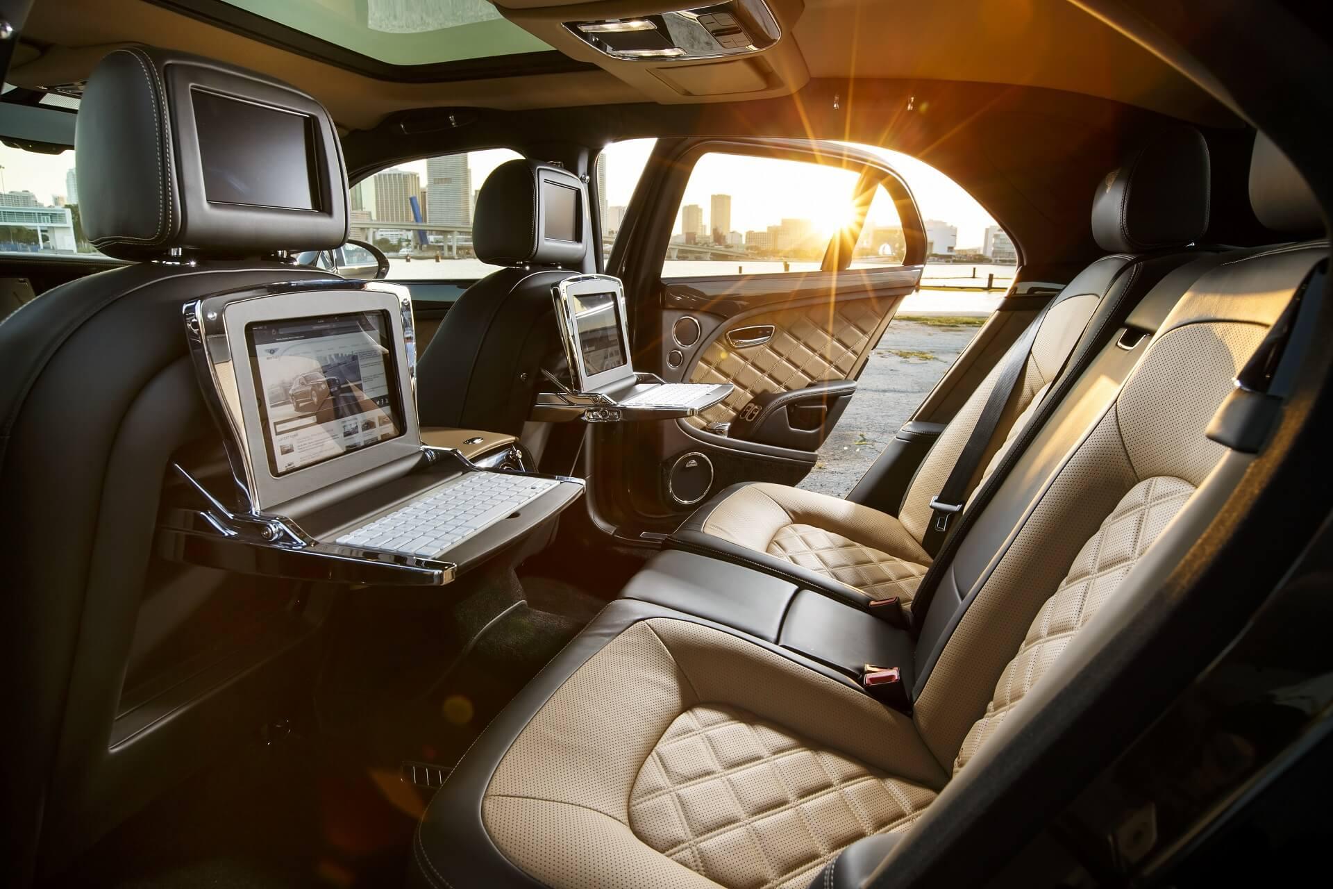Πολυτελές εσωτερικό Bentley Mulsanne