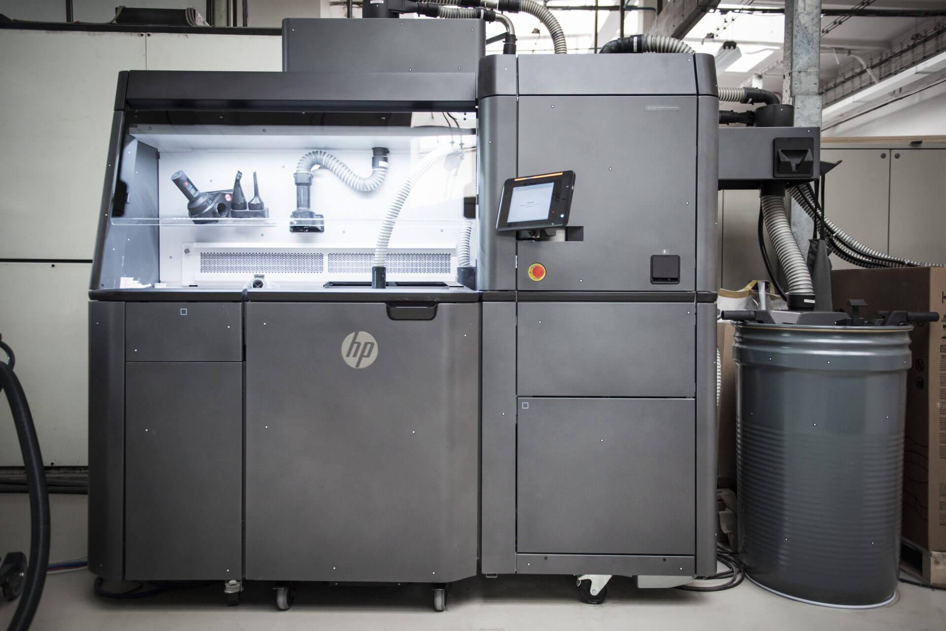 Οι εκτυπωτές Multi Jet Fusion 3D της SKODA