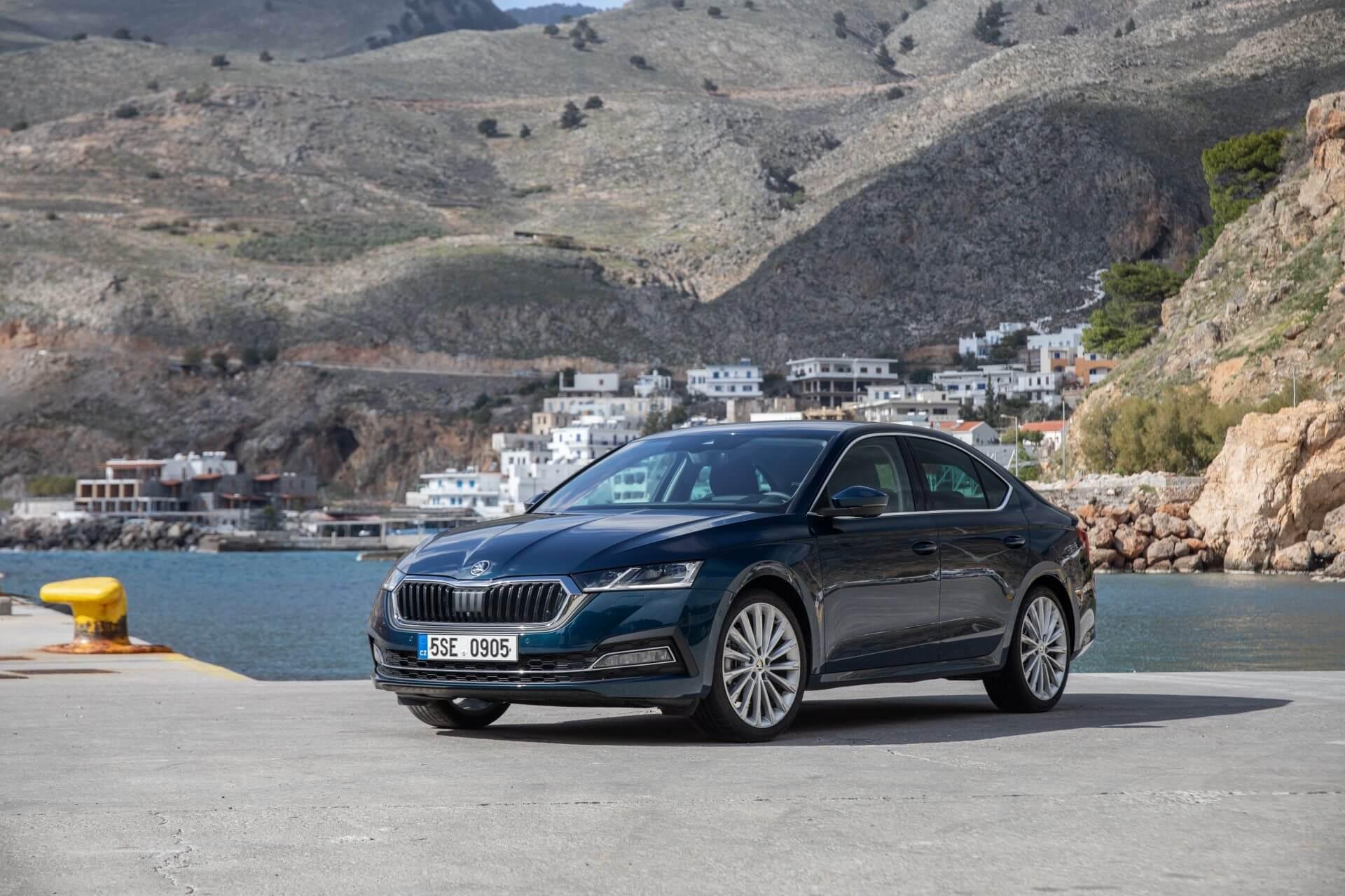 Η νέα SKODA OCTAVIA Grand Coupe φωτογραφημένη στην Κρήτη - Εμπρός όψη
