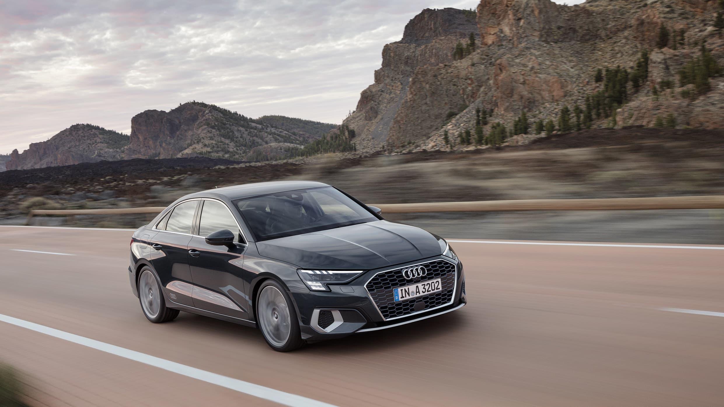 Νέο Audi A3 Sedan σε κίνηση