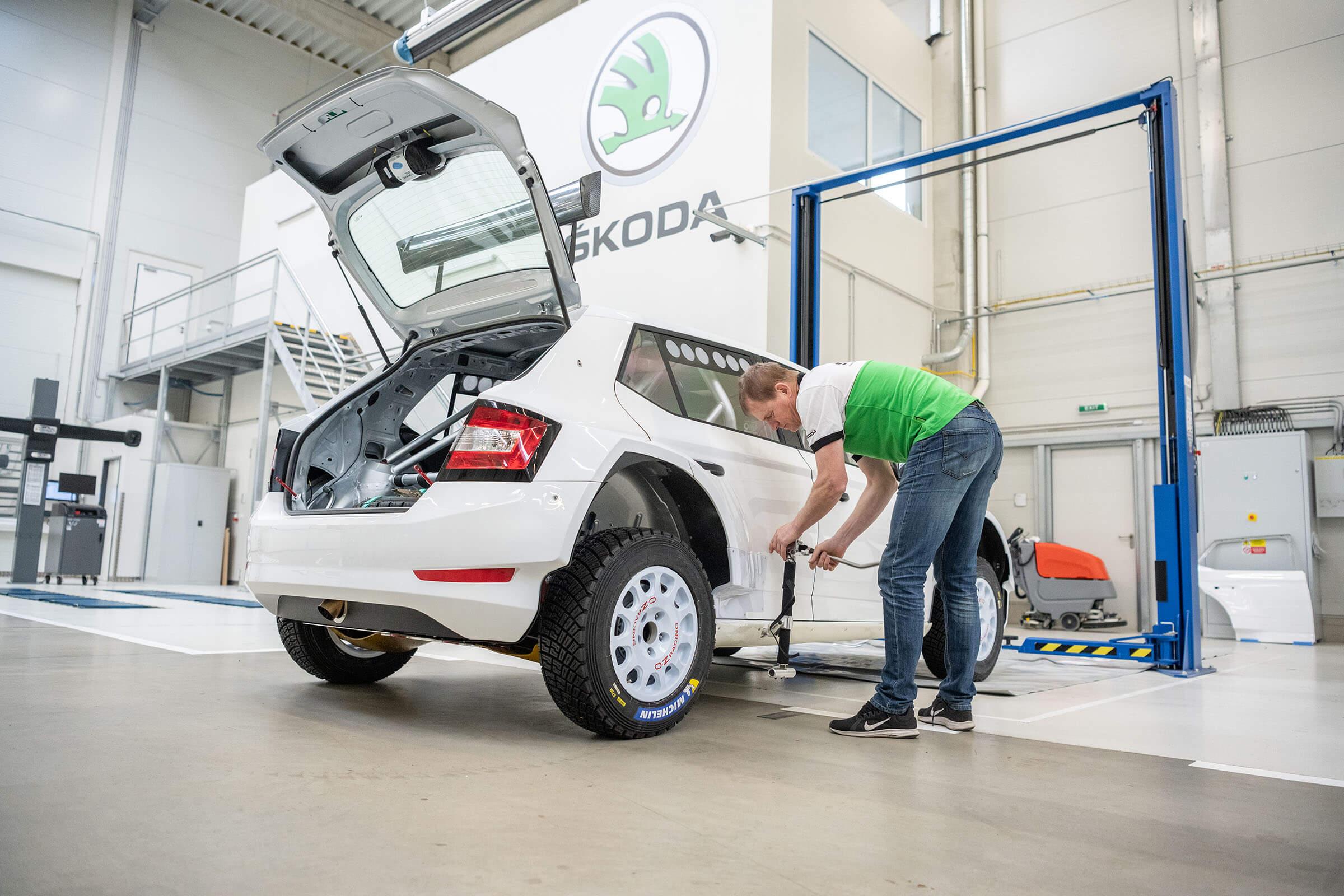 Skoda Motorsport - Αλλαγή Ελαστικού