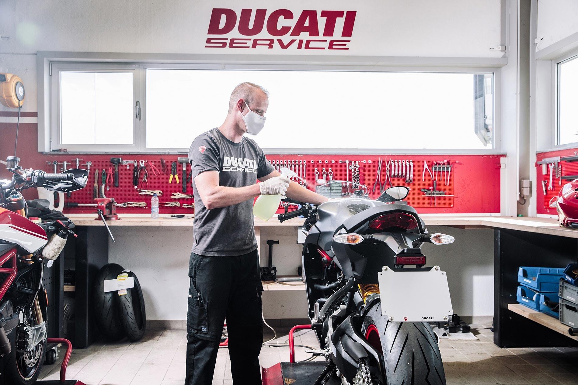 Ducati Cares - Καθαρισμός μοτοσυκλέτας Ducati στο service - Μέτρα προστασίας COVID19