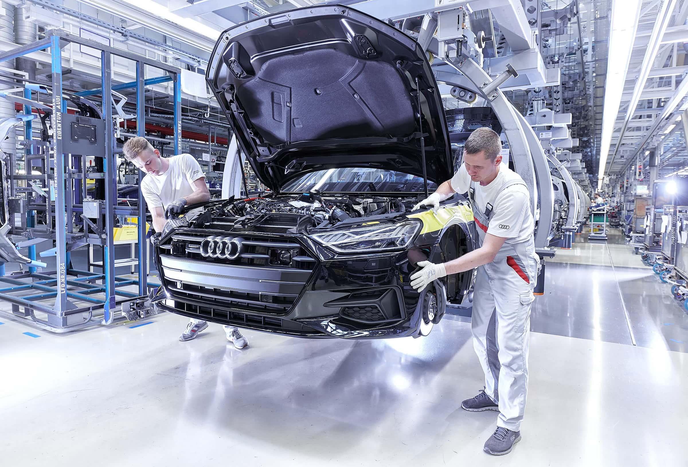 Κατασκευή Audi RS - Ειδικά εργαστήρια όπου τα πρώτα αυτοκίνητα συναρμολογούνται με το χέρι