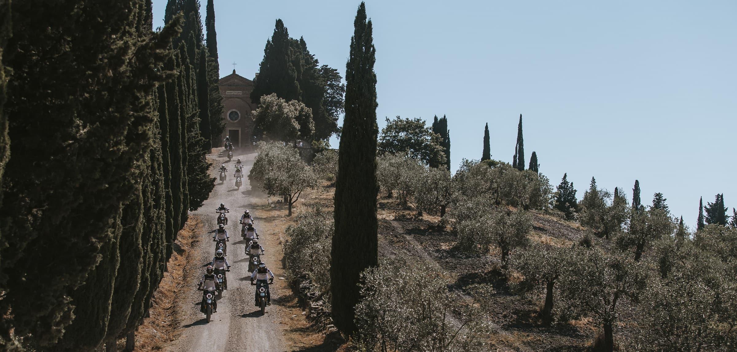 Ducati Scrambler - Days of Joy - Μοτοσυκλετιστές με Ducati στην Τοσκάνη