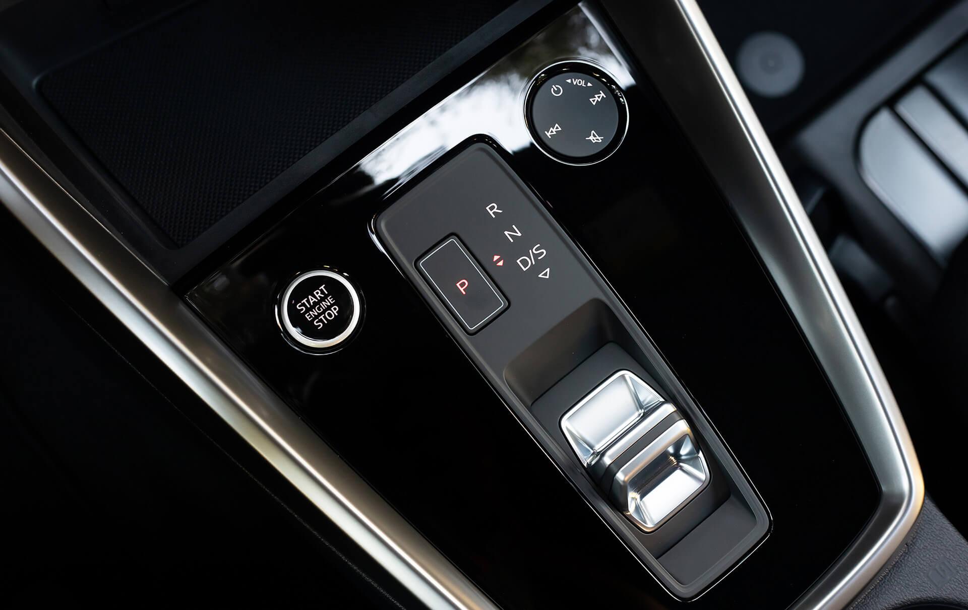 Νέο Audi A3 Sportback - Πρωτοποριακός επιλογέας ταχυτήτων με τεχνολογία shift-by wire για έλεγχο των βασικών λειτουργιών του 7-σχέσεων S tronic