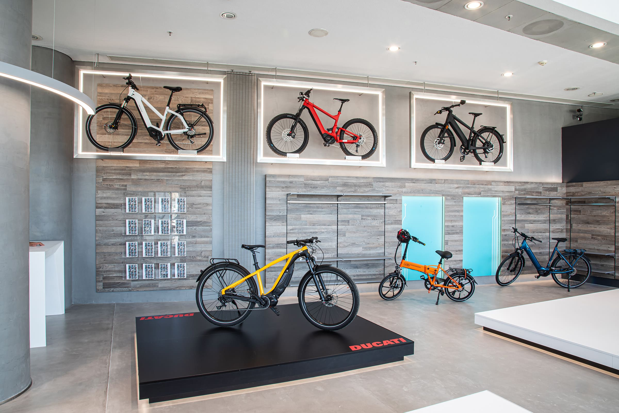 Kosmoride e-Bikes experience store - Έκθεση ηλεκτρικών ποδηλάτων - Κατάστημα στο Μαρούσι